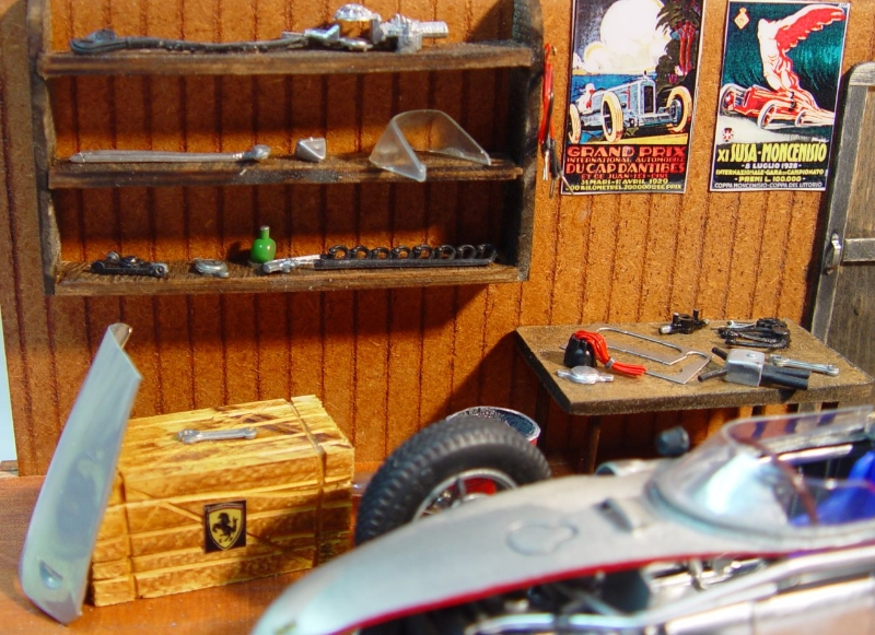 ferrari-156-diorama-regal.jpg